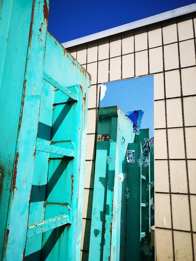 Rooms EyeEm Street Photography EyeEm Abstract Mirror Effect Mirror Reflections Blue Wood - Material Sky Architecture Building Exterior Built Structure Close-up Rusty Weathered