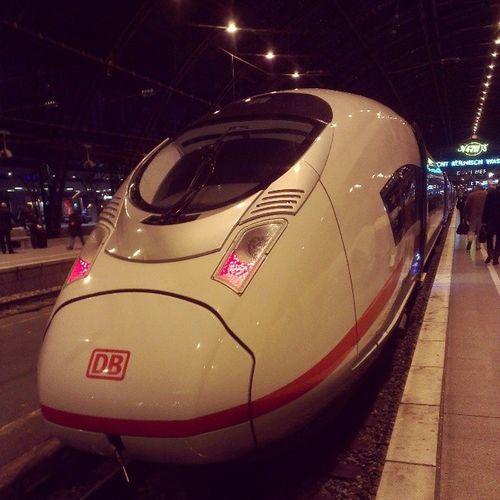 Fahre mit dem ICEVelaroD / ICEVelaro / Ice3 nun wieder Heim. :D Goldbahncard