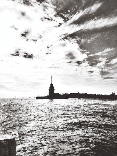(null) Maiden Tower Kizkulesi Black And White