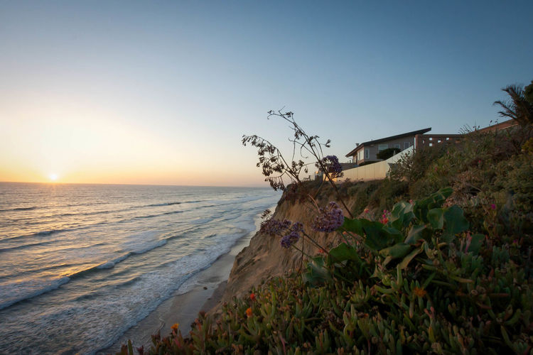 Well ain't that a nice view. Vacation in the States again Looking Into The Future Vacations Scenics Sunlight Sunset_collection Sunsetlover Ocean Waves Ocean Sea And Sky Sea California San Diego Encinitas California