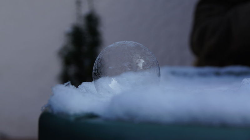 Bubble Bursting Bubble Cold Colors Frozen Bubble Frozen Bursting Bubble Frozen Nature Gefroren Gefrorene Seifenblase Ice Seifenblase Winter