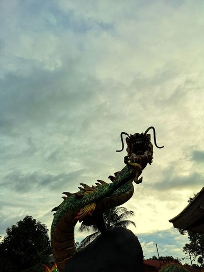 Chinese Dragon King - Royal Person Sculpture Dragon Statue Water Silhouette Sky Cloud - Sky