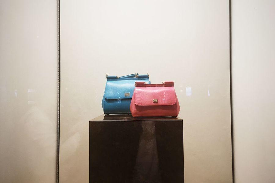 Close-up Day Handbag  Handbagporn Handbags Handbagshop Indoors  No People Odessa,Ukraine Outdoors Showcase April Showcase Fashion Street Fashion Street Photography Street Showcase Streetphotography Leiblingsteil
