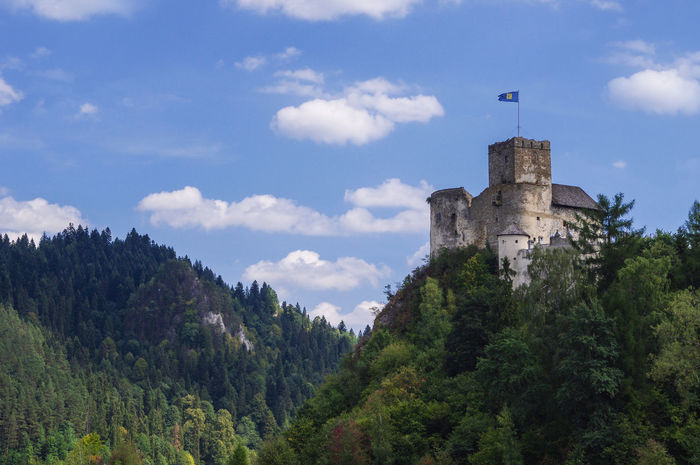 Castle in Niedzica - Poland Be. Ready. Castle Niedzica Architecture Beauty In Nature Building Exterior Built Structure Castle Cloud - Sky Czorsztyn Day History Low Angle View Mountain Nature No People Outdoors Sky Tower Tree