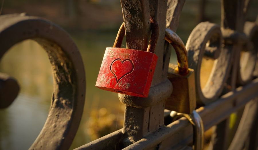 Outdoors Red No People Hope Hanging Day Close-up Metal Focus On Foreground Herford Bridge Lock Love For Ever Key EyeEmNewHere EyeEmNewHere Be. Ready. EyeEm Ready