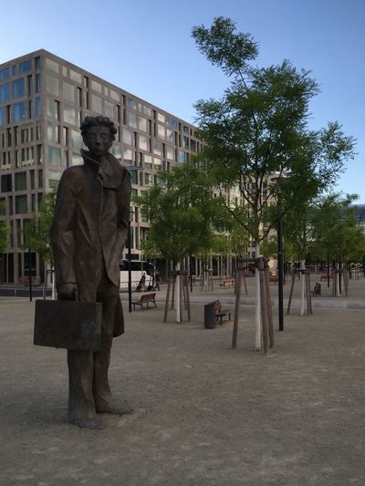 Berlin Statue Waiting Waiting For A Train Businessman Check This Out From My Point Of View Outside Urban Exploration Streetphotography Street Photography City Life Berlincity Berlin Photography Hauptbahnof Hauptbahnhof Berlin Fine Art Photography Showcase July Colour Of Life