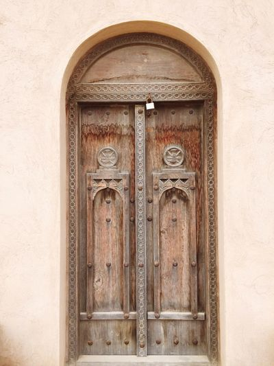 Omani door art Door Doors Oman Oman_photography Omani Omani Door Wood Wooden Wood Door Omani Art Adobe Adobe House Locker Arch Arabic Style Arabic Culture Arab Arabic