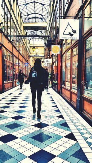 Paris Chic Galleries Shopping