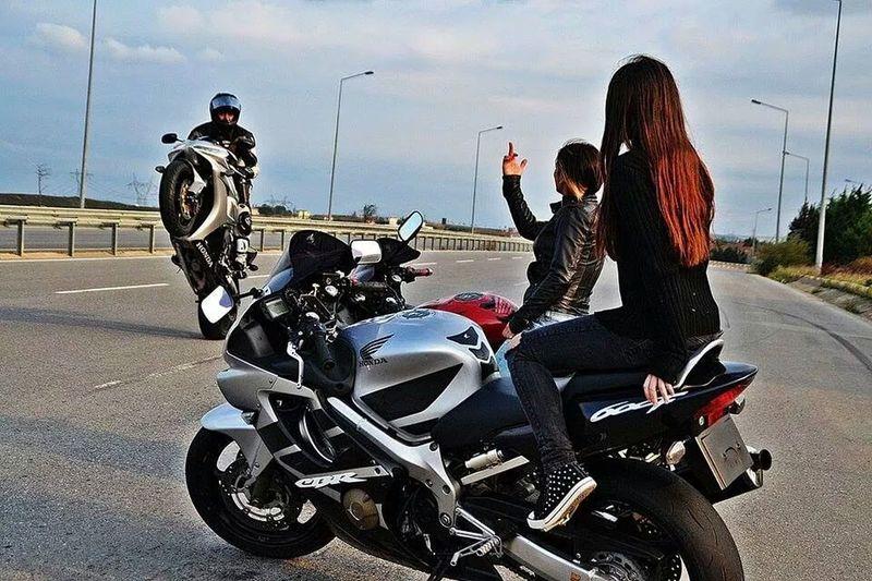 Honda Cbr Fireblade BikerGirl