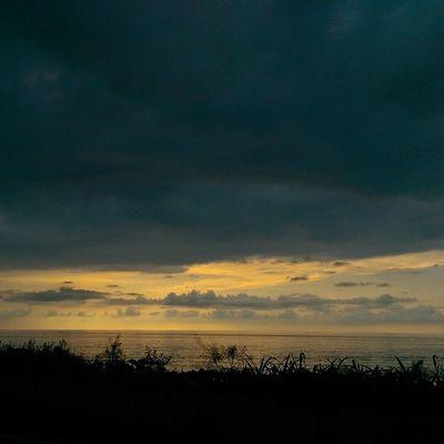 Karadeniz Rize de Gunbatimi bakiniz burada da Sarilacivert fenerbahce sunset gokyuzu sky skyporn color travel