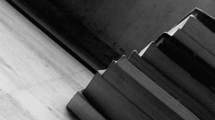 EyeEm Best ShotsBooks ♥ Everything In Its Place Reading Books A Lot Of Books  Hopes And Dreams Life Wall Pages Funtimes Blackandwhite Photography Blackandwhite Reading & Relaxing Reading Time Knowledge Is Power Books Are Our Best Friends