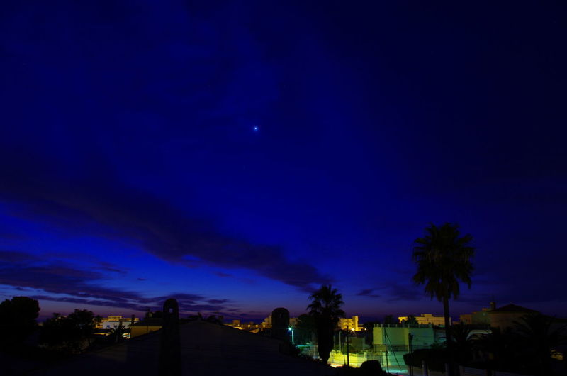 Atmosphere Atmospheric Mood Cloudscape Dark Dramatic Sky Dusk Glowing Majestic Moody Sky Outdoors Outline Scenics Silhouette Sky Speed Sun Sunrise In Miami Platja Sunset Tranquil Scene Tranquility Venus