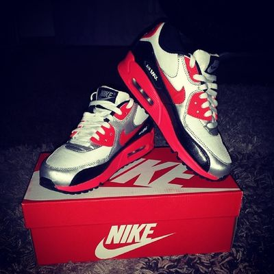 New Babys Love Them air max from new york nike fuckin awsome best shoes ever red silber black white geilstes geschenk laufen auf wolken very big thanks i have the best sister @fashionkillakaro