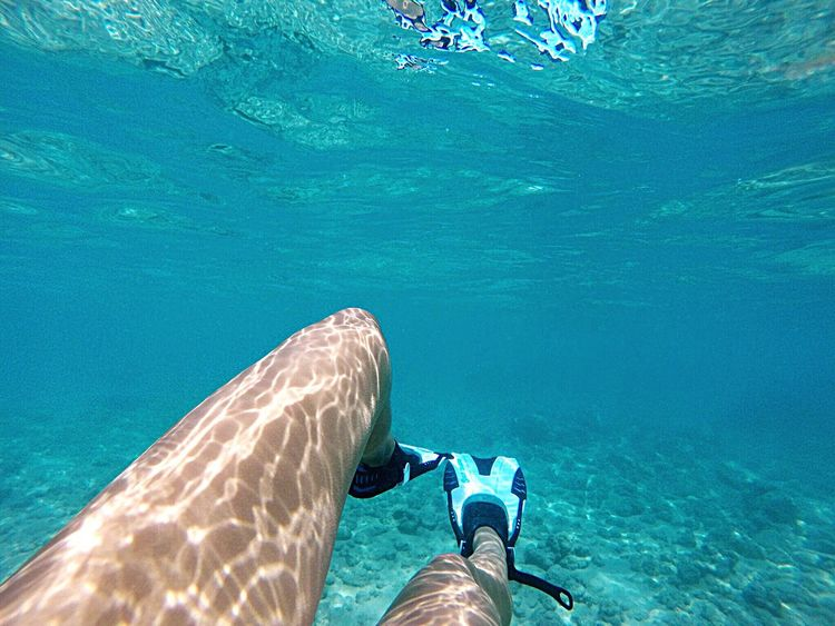 I wonder what's around me 😳🌊🐠🐳 Swimming Ocean Legs Sunlight Highlights Blue Sharks Aqua