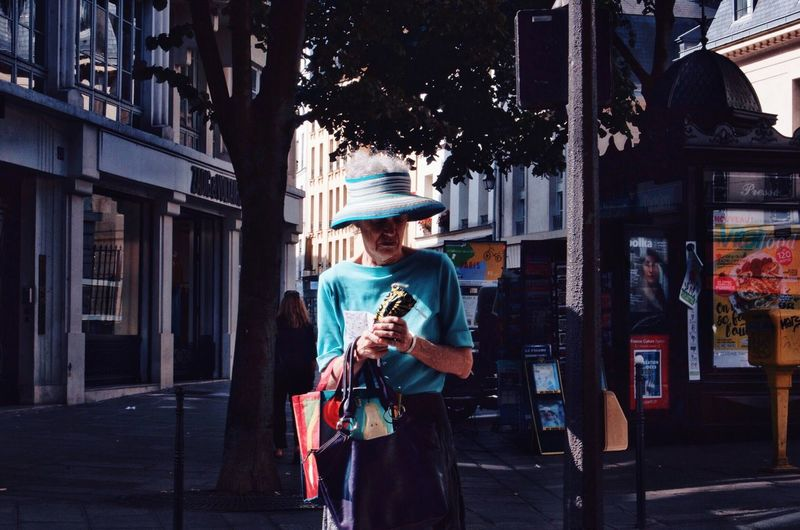 EyeEm Selects One Person Front View Outdoors Real People Building Exterior Day Adult People One Man Only Streetphotography Paris EyeEmNewHere. Week On Eyeem OpenEdit Welcomeweekly Lifestyles Travel Destinations EyeEm Best Shots The Street Photographer - 2018 EyeEm Awards