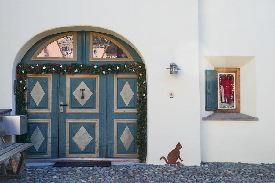 Door No People Day Stencil Stencil Art Stencilart Cat in Switzerland Swiss Eyem Galery Celerina House Facade Building Exterior Christmas Decoration Christmas Time Christmas Ornament