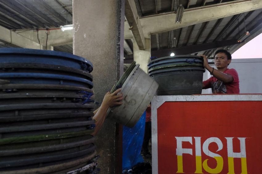 Fujifilm X-Pro2 Xf18mmf2.0. March 2016. Bulua Fish Landing, CDO. The Street Photographer - 2016 EyeEm Awards Eyem Philippines Street Photography XF18mmF2.0 Eyeem Philippines Fujifilm_xseries