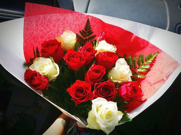 Merci mon amour, 300 jours de bonheur. Rose♥ Bouquet Roses Rouge Amoureuse Amour. 🔐❤️