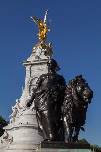 EyeEm Selects Statue Animal Representation Sculpture Outdoors Lion - Feline Travel Destinations No People Day Representing Sky Landmark Europe London England Tourism