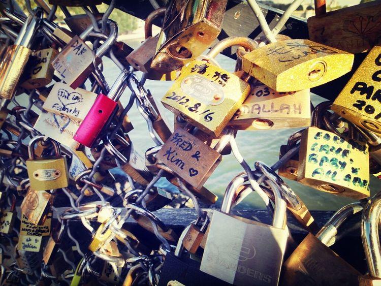 Love Couple Lovers Pont Des Arts