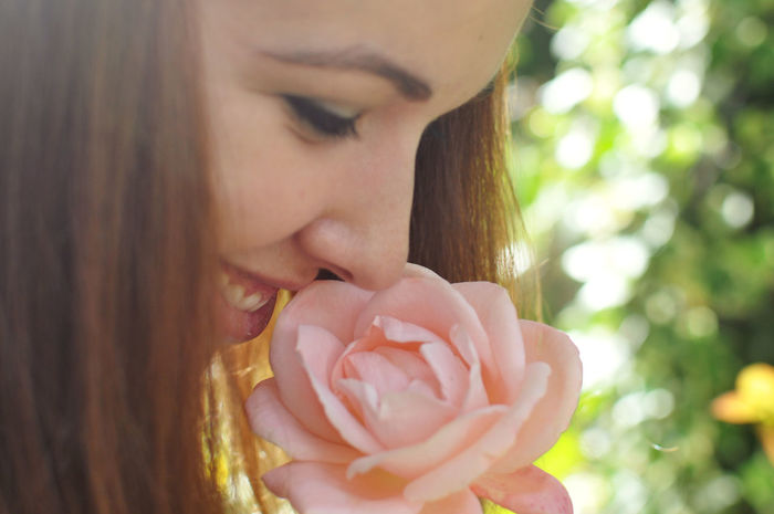 Close-up Flower Fragility Fresh Freshness Happy Nature One Person Pink Color Portrait Real People Rose - Flower Smelling Smelling Flowers Smelling The Roses Woman Young Women