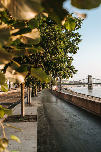 Early mornings, runing at Budapest. Orange Color Healthy Lifestyle Health Healthy Pele Photography Budapest Joging Running Morning Run Fresh Fresh Morning Morning Morning Light Motivation Motivated Sky Pedestrian Walkway Empty Road Horizon Over Water The Way Forward