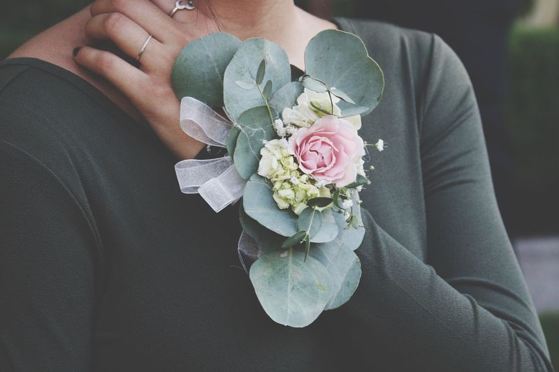 Weddingphotography Corsage Close-up Life Events Eucalyptus Forestgreen Pinkrose