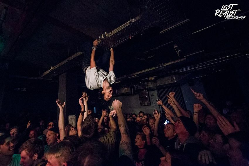 This is what happens at a Frank Carter & the Rattlesnakes Show 😀 Gig Frank Carter Live Allschools Canon Hafenklang Hamburg Music Photography  Sick Musik Crazy Performance Picoftheday Lost Realist Photography Music Photography  Pictureoftheday Concert Photography Rattlesnakes Musicshot Musician Live Music Punkrock Show Tour Lightroom