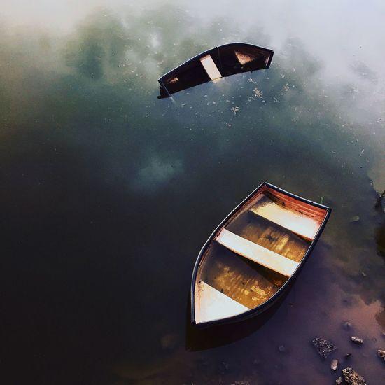 Dos pequeñas barcas después de una tormenta Taking Photos Enjoying Life Iphone6 Photographer Photography Water Reflections In The Water Nature