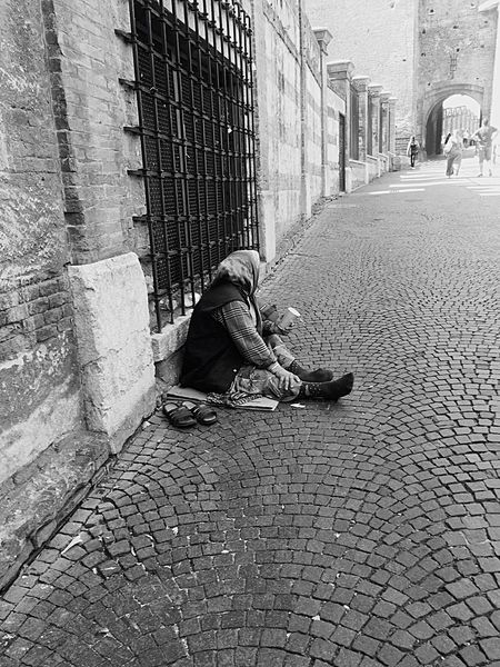 Social Issues Sitting Street Pleading Full Length Senior Adult City One Person Adult People Sidewalk Men Verona Quadriveri Blackandwhite Adults Only Women Outdoors Real People Architecture Only Women Day EyeEmNewHere