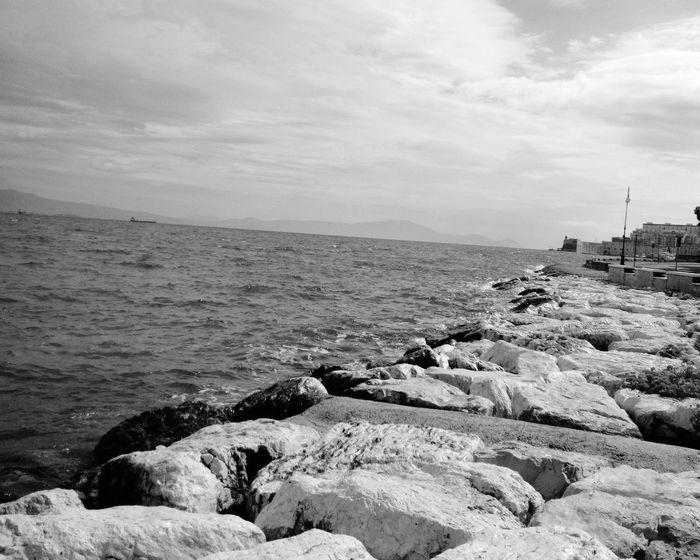 Hello World Italia <3 Sea And Sky Black And White Taking Photos Eyem Gallery Eyem Best Shots Streetphoto_bw Landscape