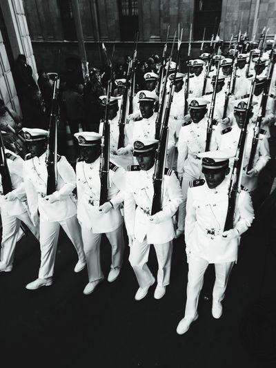 Aramada Boliviana, desde Plaza Murillo entonando Marcha Naval Bolivia MarParaBolivia