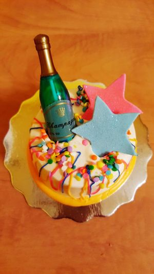 My mini Happy New Year/Happy 47th Birthday to Me cake. Happy 2018 everyone!! Food
