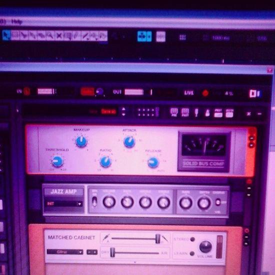 @_eduardoaraujo__ quase lá meu jovem kkkkkkk Guitar Rig Compressor Cubase gravando timbre guitar