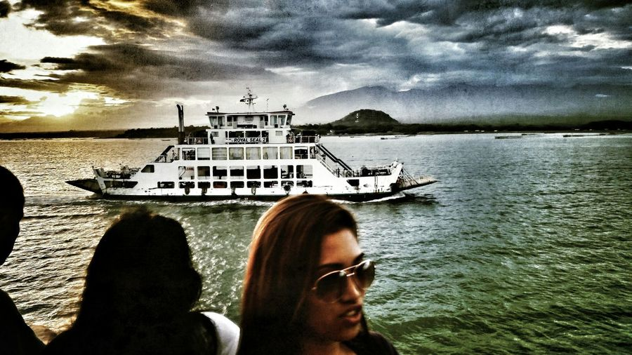 Onferryboat Travel Photography Dailylife Eyeem Philippines Bayview Sky And Clouds Sunset_collection Sea And Sky Eyeem Market