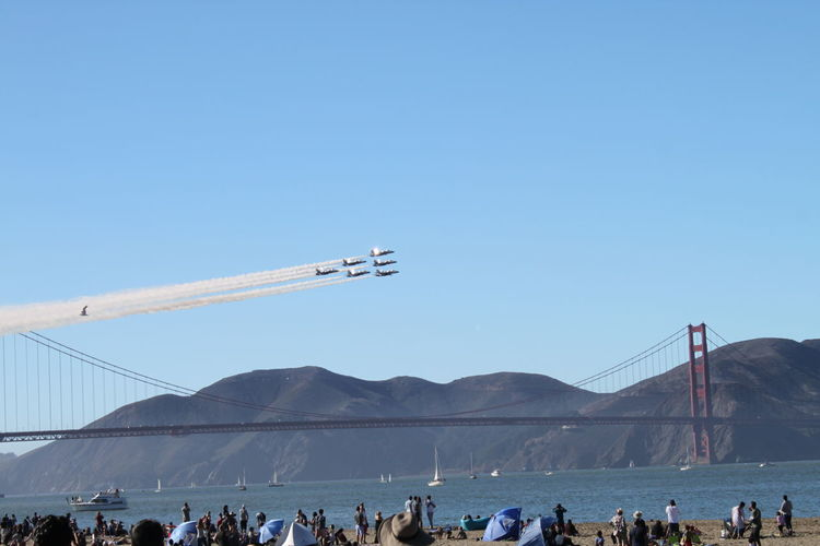 Fleet week in San Francisco 2018 San Francisco CA🇺🇸 San Francisco San Francisco Bay Rolling Hills Golden Gate Bridge Golden Gate Bridge In Background Golden Gate Bridge, San Francisco, California Blue Sky Mountain City Flight Air Force US Air Force Airways Formation Flying Flying Fighter Plane Aircraft Wing Contrail Military Airplane Vapor Trail Acrobatic Activity US Navy Aerospace Industry