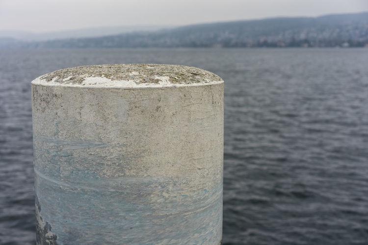 pilar in water