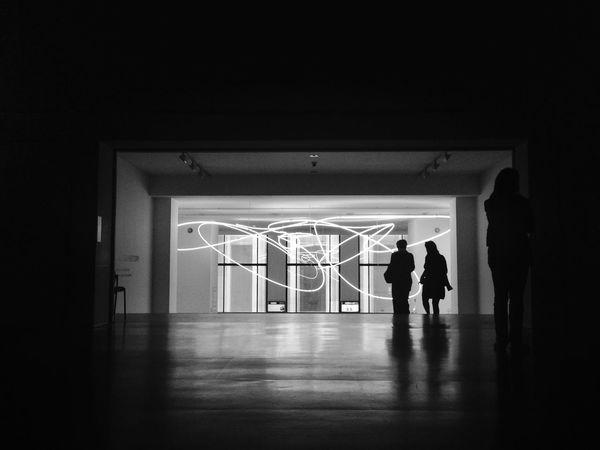 La force des musées ? on arrive avec des préjugés on repart avec des connaissances. Rsa_bnw EyeEm Bnw Bws_worldwide #bnw #blackandwhite #bw #blacknwhite