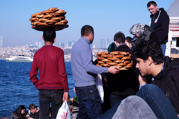 Street Vendors at the Bosporus At The Bosporus Istanbul Turkey Simit Seller Simitçi Street Vendor Street Vendors Sunday Afternoon Chill Turkish Bagel Sellers Waiting Game