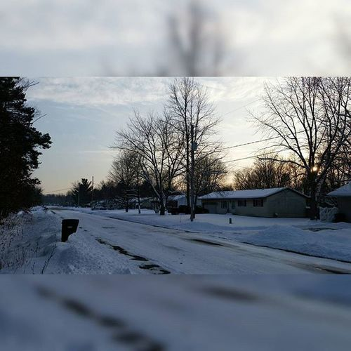 My road actually looked alright at one time Snowfall Michigan Tagsforlikes Tflers Likeforlike Likeitup Photography Artbasel Gs5 Samsung