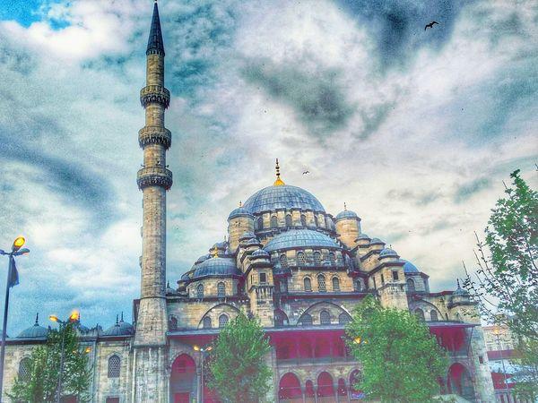 Yakınbuldumpaylaştım Istanbuldayasam Istanbul Turkey Hello World Rbsphotography Odakgroup Colour Of Life Likeforlike #likemyphoto #qlikemyphotos #like4like #likemypic #likeback #ilikeback #10likes #50likes #100likes #20likes #likere Kadrajturkiye Objektifimden Yakınçekim Eminönü Yenicami HDR Hdrcollection