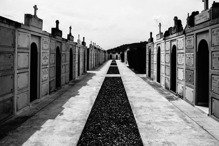 B&w Black And White Cemetery Cemetery_shots Day Friedhof Mausoleum No People Outdoors Sky Spanien Spanish Urban Exploration Way Weg
