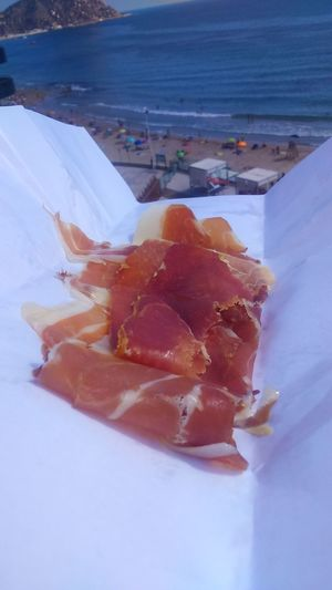 Food Sea Jamon Jamón Ibérico Jamon Serrano Beach Beach Life Relaxing Time 🍷🍸🍻🏊😜😜😜 Ready-to-eat Enjoying Life Vacations Happy Weekend !!! Spanish Food Low Angle View No Edit/no Filter 3XSPUnity Sea Life Red And White Beachtime Water Dinnertable Travel 🌊🌊🌴🌴👌😜