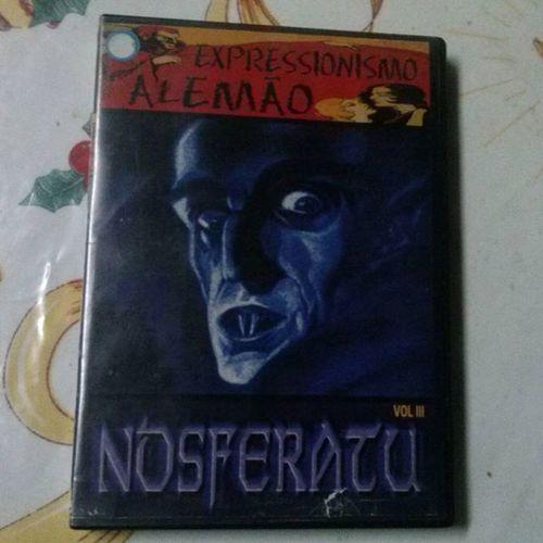 Encontrei ou DVD do Nosferatu,melhor que o que eu tinha com alguns extras e áudio remasterizado em 5.1. Nosferatu Expressionismoalemão Vampire Vampiro classicmovie filmesclassicos