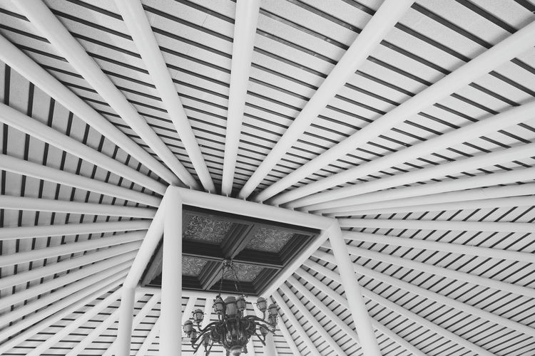 black and withe pattern Backgrounds Full Frame Ceiling Architecture Close-up Built Structure Architecture And Art Architectural Design Hanging Light Architectural Detail Architectural Feature Building Atrium