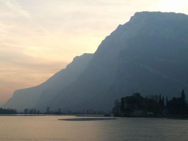 Nexus5photography Nexus5 Lago Lake Ghiaccio Ice Castello Castle Peace And Quiet Montagna Mountains Pace Tranquillità