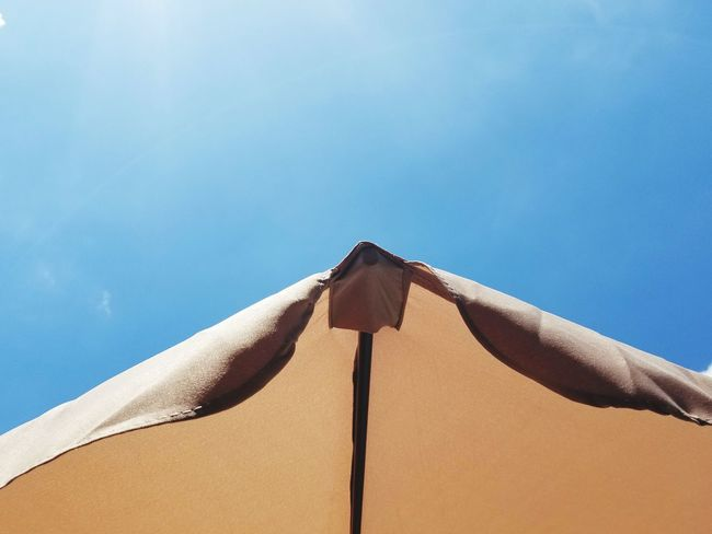 EyeEm Selects Protection Summer Low Angle View Sky No People Shelter Outdoors Beach Day Tent Nature Sand Dune Close-up Sommergefühle