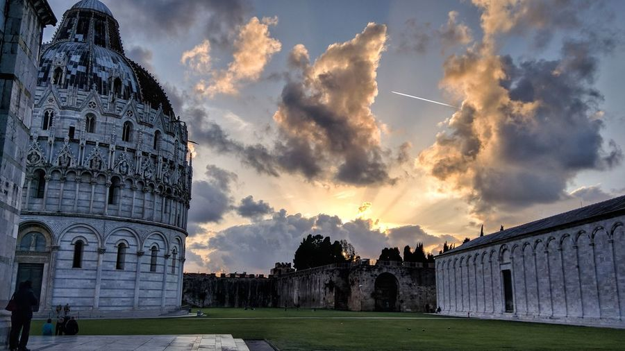 Cloud - Sky History Travel Destinations Architecture Sky Outdoors No People Day Pisa Pisa Tower Pisa Italy Pisa Cathedral PisaeProvincia Italia Italy❤️ Italy🇮🇹 Beachphotography Beautiful Destinations Visit Italy