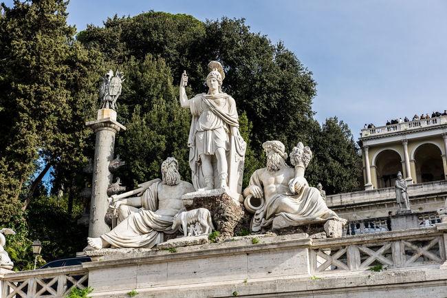 La dea Roma Roma Architecture Architettura Female Likeness Human Representation Low Angle View Piazza Del Popolo Sculpture Scultura Sky Statua Statue