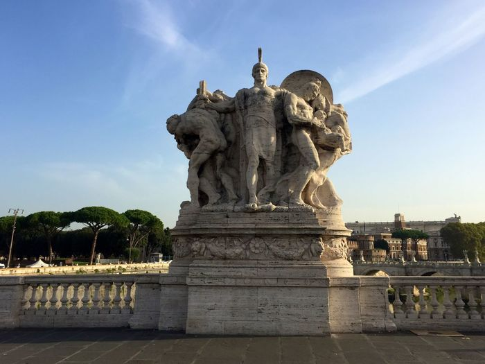 Roma e le sue bellezze sStatuecCreativityaArt And CraftsSculptureoOutdoorsaArchitectureiIphonephotographyiIphone 6pPhotography The Street Photographer - 2017 EyeEm Awards